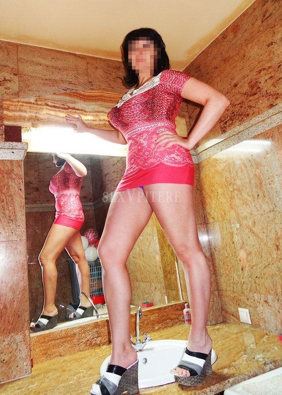 Женщина хочет сдать комнату за интим услуги в г адлере